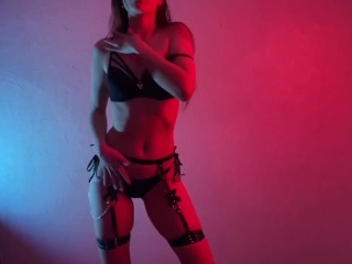 Look at her, she is amazing! Teasing and dancing full naked!