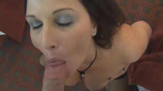 Banging super sexy MILF Housewife Kelly and cumming in her mouth