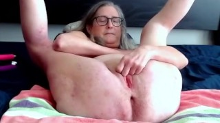 Mature Milf Fingers Her Pussy And Rubs Her Clit Warming Up