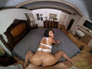 Ebony Teen Nia Nacci Finds Your Room On Swinger Party