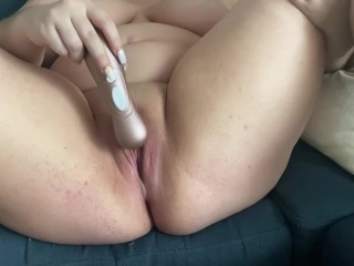 Teen PAWG Squirts using New Toy