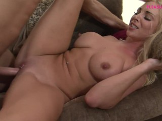 BLONDE STEPSISTER AND HER DREAM