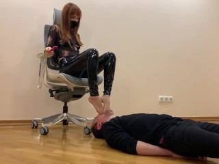 [PREVIEW] Submissive Guy Kneels In Front of Goddess Kira and Serves Here Foot - Sucks Toes