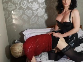 Mature tranny telling a subbie tv sissy what to do