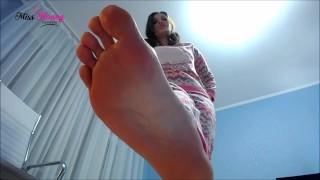 Giantess feet obsession