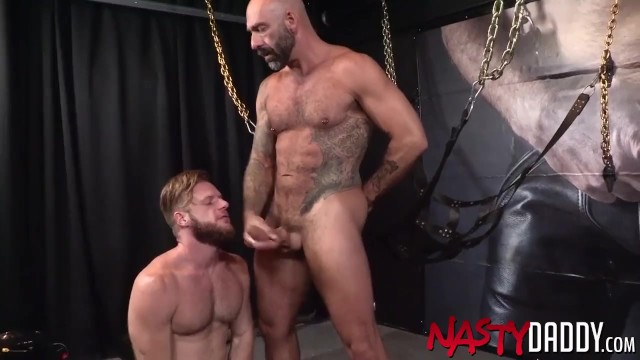 NASTYDADDY Drew Sebastian Barebacks Handsome Bearded Gay