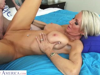 Naughty America – MILF blondie, Emma Starr, needs someone to CUM inside her wet pussy