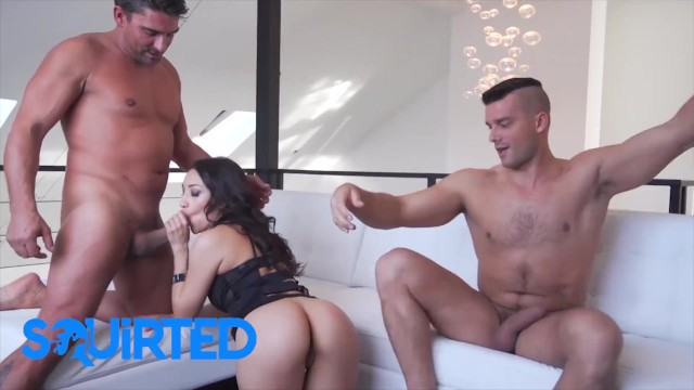 Squirted - Sexy Latina Vicki Chase Fills All Her Holes With Two Huge Cocks