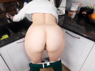 Hot sex from behind while washing the dishes! He cum inside my pussy