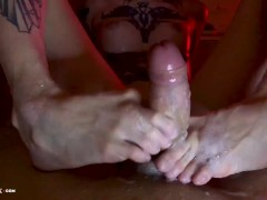 Tattooed Girl Footjob and Handjob Dick Boyfriend in the Bath