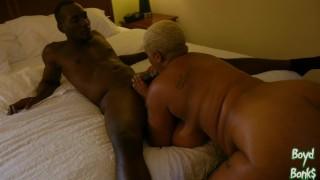 Boyd Banks giving Lady Onyxxx a massage