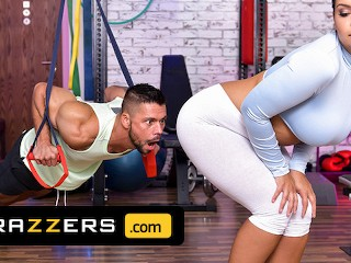 Brazzers - Czech Goddess Sofia Lee Has The Perfect Workout Jumping On Her Gym Instructor's Hard Dick
