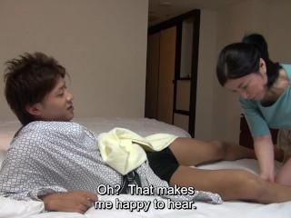 Japanese hotel massage mature busty masseuse gives handjob