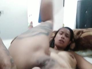 después de un buen anal me eyaculo adentro de ella