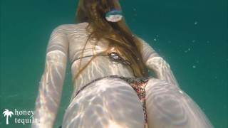 Underwater Handjob By Redhead Teen On Public Beach - Real Exhibitionist Couple