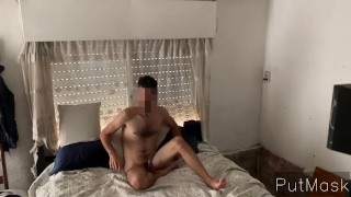 Cuckold takes pictures while wife sucks off lover