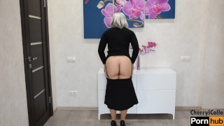 SEXY MILF IN STOCKINGS AND A GARTERBELT