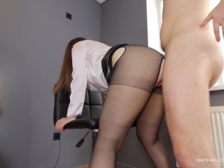 Boss fucks mouth and big ass secretary after morning briefing