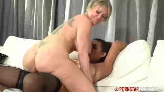 PORNSTARPLATINUM Busty MILF Dee Williams Rides Shemales Dick
