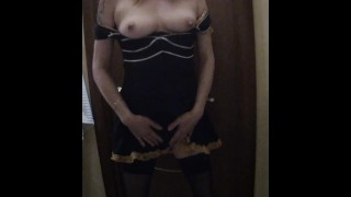 Hot maid in a mask, morning blowjob to the client in the hotel toilet