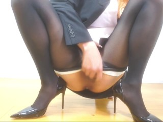 Office lady feels good with a big dildo ふたなり 女装 ビックディルド