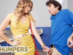 Lil Humpers - Linzee Ryder Sees That Ricky Spanish Is Too Full Of Cum To Do His Job & Helps Him