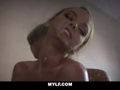 Cute MILF Pristine Edge Sucks And Fucks In The Bathroom