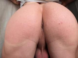 голая мужская супер попка трясет на камеру