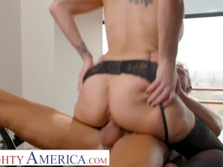 Naughty America – Kenzie Taylor fucks her boss for that promotion