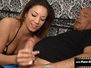 Sie will was dickes in ihrem Arsch