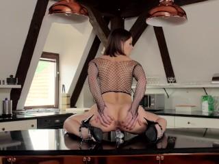 Melisa Mendini teaser riding dick