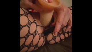 Masturbazione con doppi orgasmi anali per il mio guardone preferito