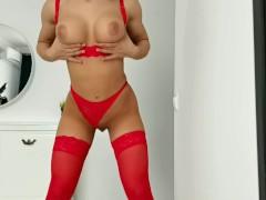 Hot Girl Rub Pussy in Beautiful Red Lingerie Cumming
