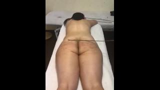 BDSM Spanking Slows Down Time : Memories / 打屁股慢动作 先生用棒子用力击打了我美丽的屁股,他命令我躺下不要动