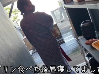 主観的な手コキフェラと激しい騎乗位で温泉旅行中に転んだハンサムなM男♡日本人素人ハメ撮り騎乗位中出し・エムユミ夫婦