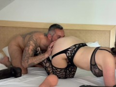 He doesn't resist me when he watches me stick big dildos in my pussy_Amateur Couple Kittie Cate