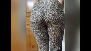 My wet pussy under pyjamas روتيني اليومي، مغربية حواية لابسة بيجامة النمر فالدار