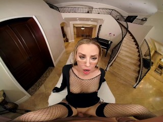 Hot Action With Anna Claire Clouds As Kalifa In One Piece XXX VR Porn Parody