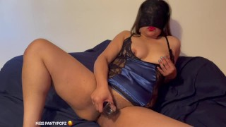 Hot Indian desi babe gets her pussy plugged!