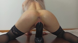 Hot Babe With Oiled Ass Twerks On BBC And Cums Hard - 4K