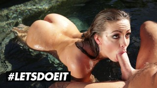 DOEPROJECTS - ABIGAIL MAC BEAUTIFUL AMERICAN MODEL UNLEASHES HER INNER ANIMAL