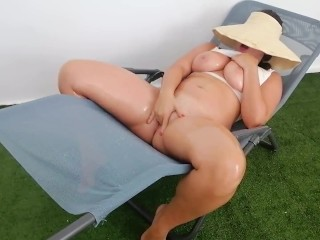 Tight Pussy Teen Squirts Like a Fountain