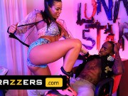 Brazzers - Luna Star Can't Handle Pressure's Pressure So She Fucks Him Hard To Relieve The Pressure