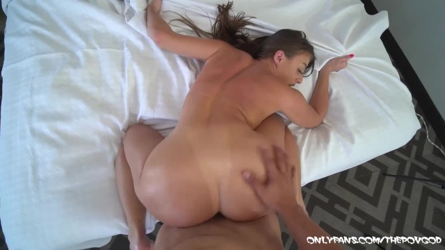 BIG BOOTY GIA DERZA PULLED UP TO GET FUCKED