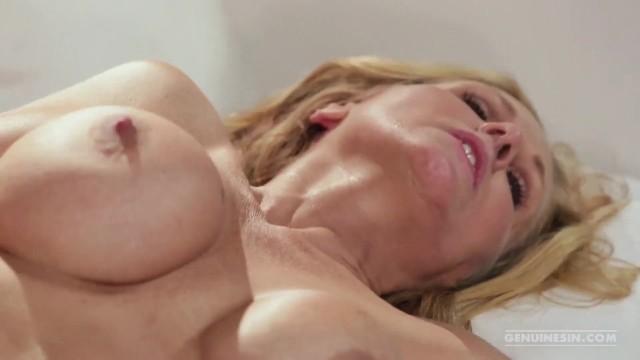 Cougar Milf Julia Ann Loves Young Cock