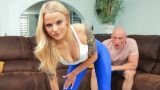 """Step Bro """"You have a hole in you leggings, I can literally see your pussy"""" S18:E4"""