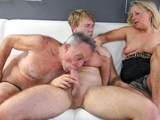 Having Fun with Dirty Grandpa bisexmaletube