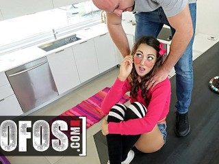 Mofos - After Giving Lily Adams's Curvy Ass An Oil Rubdown, Jmac Stuffs His Huge Cock In Her