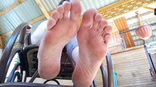 Грязные ножки жёсткой госпожи .