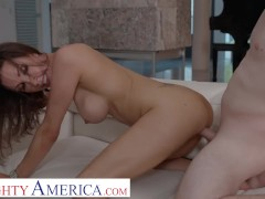 Naughty America - Shay Sights gives Anthony more than a tip!!!